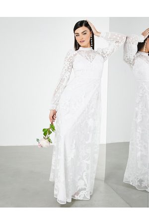 ASOS – Violet – Broderad bröllopsklänning med hög krage-Vita