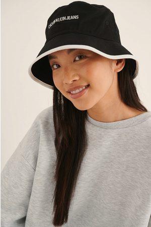 Calvin Klein Kvinna Hattar - Bucket Institutional Hat