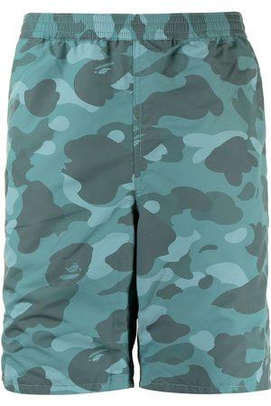 A Bathing Ape Kamouflagemönstrade shorts