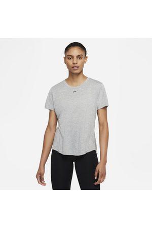 Nike Kortärmad tröja med standardpassform Dri-FIT One för kvinnor