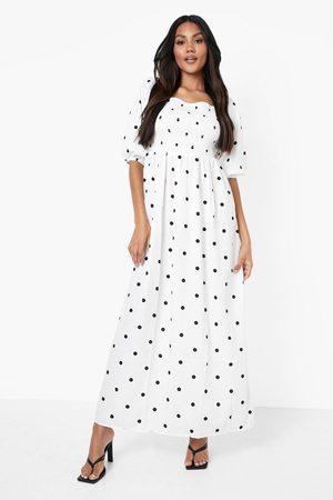 boohoo Prickig Maxiklänning Med Smock Och Ballongärm, White