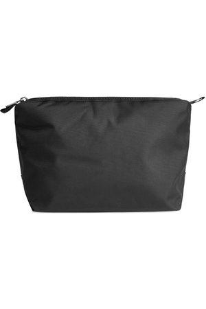 ARKET Resväskor - Medium Toiletry Bag