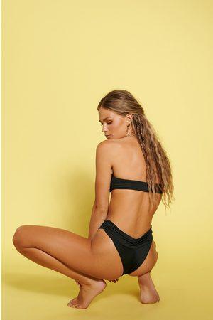 NA-KD Återvunnen Rynkad Bikinitrosa