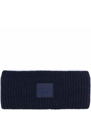 Acne Studios Mössor - Ribbed-knit logo patch headband