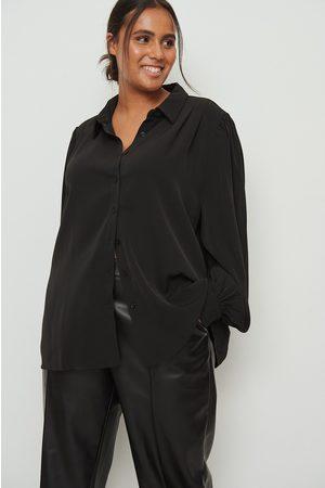NA-KD Långärmad skjorta med vid samlad ärm