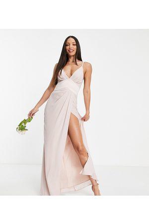 ASOS ASOS DESIGN Tall – Brudtärnor – Puderrosa maxiklänning med smala axelband, chevron-format midjeband och knäppning baktill av satin-Pink