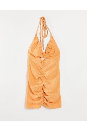 Missguided Kvinna Festklänningar - – Persikorosa, rynkad miniklänning med utskurna detaljer och halterneck