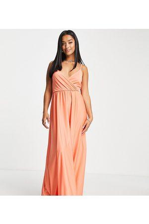 ASOS ASOS DESIGN Petite – Korallrosa maxiklänning med smala axelband, djup urringning och knytning baktill-Pink