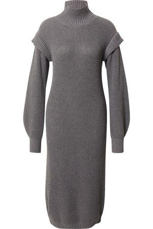 Esmé Studios Kvinna Stickade klänningar - Stickad klänning 'Ada