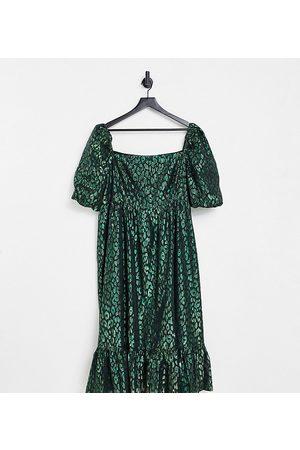 Collective the Label Curve – Smaragdgrön, jacquardvävd midiklänning med puffärmar- /a