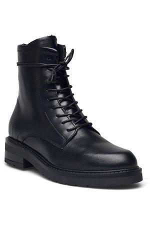 Pavement Kvinna Ankelboots - Carmela Shoes Boots Ankle Boots Ankle Boot - Flat