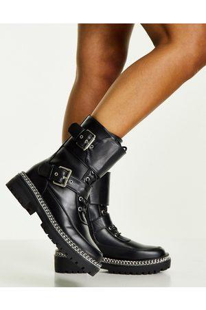 Truffle Collection Kvinna Ankelboots - – Svarta boots med snörning och spänne med kedjesula- /a