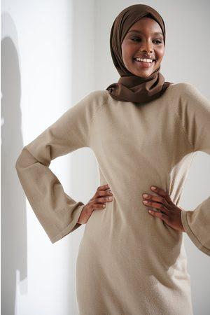 NA-KD Kvinna Stickade klänningar - Stickad lång klänning