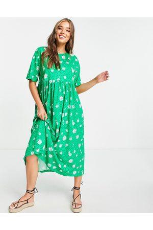ASOS DESIGN Kvinna Midiklänningar - – småblommig smockklänning i oversize och midi-längd- /a
