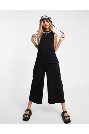 ASOS Kvinna Jumpsuits - – minimalistisk jumpsuit i twill och ärmlös design- /a