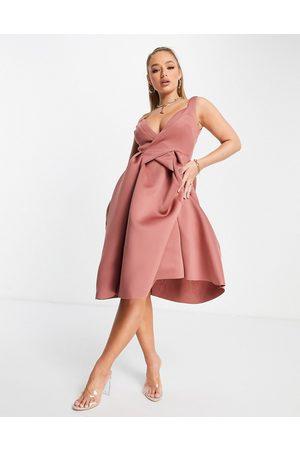 ASOS Kvinna Casual klänningar - – plisserad skaterklänning i midilängd med smala axelband och omlottdesign-Pink