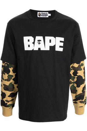 A Bathing Ape Sweatshirt med kamouflagemönstrad ärm