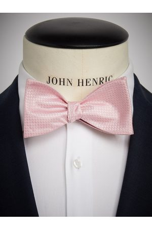 John Henric Pink Bow Tie Structure