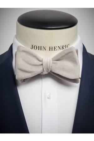 John Henric Silver Velvet Bow Tie