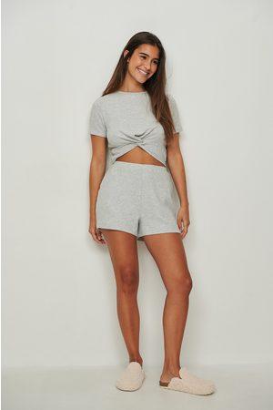 NA-KD Kvinna Shorts - Återvunna mjukt borstade shorts