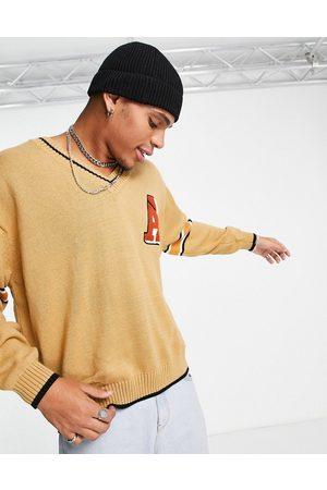 ASOS – Kamelfärgad, stickad tröja med v-ringning och broderi, del av set