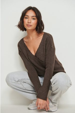 NA-KD Kvinna Stickade tröjor - Stickad omlott tröja