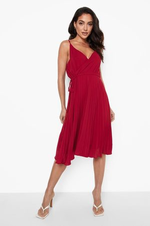 Boohoo Kvinna Plisserade kjolar - Skaterklänning Med Smala Axelband Och Plisserad Kjol, Red