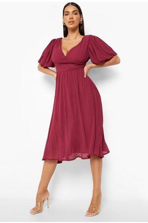 Boohoo Kvinna Midiklänningar - Plisserad Midiklänning Med Låg Rygg Och Puffärm, Red