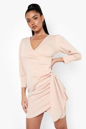 Boohoo Kvinna Fodralklänningar - Scuba Frill Detail Mini Dress